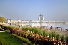 Accompagnement balade pédestre sur les Quais de Bordeaux